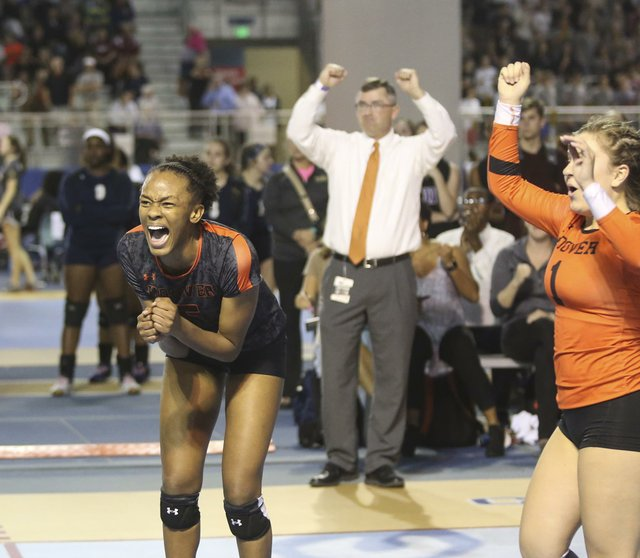Hoover Volleyball SemiFinals 2016