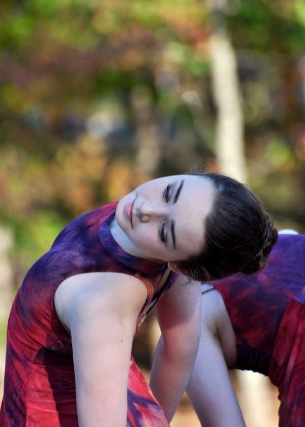 Moss-dye-dance-3.jpg