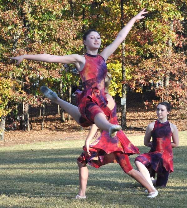 Moss-dye-dance-4.jpg
