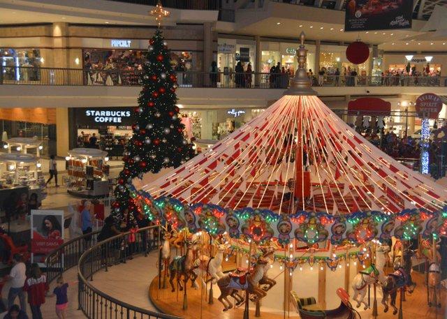 Riverchase Galleria tree lighting