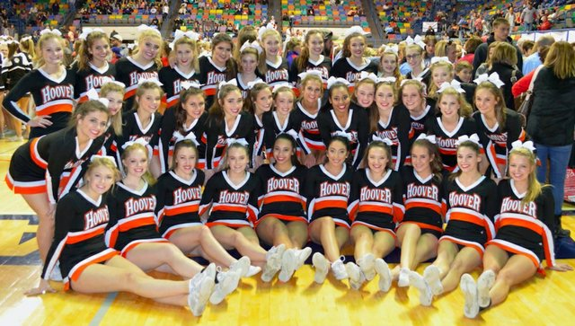 Hoover High cheer team Nov 2016