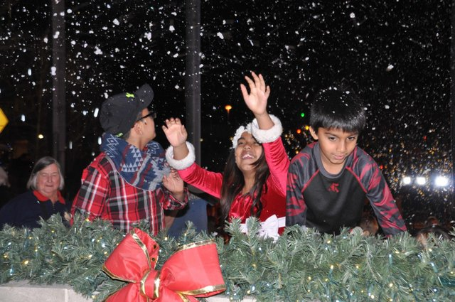 Hoover Christmas tree lighting 2016-45