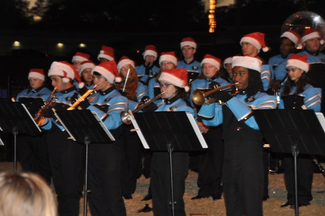 Hoover Christmas tree lighting 2016-5