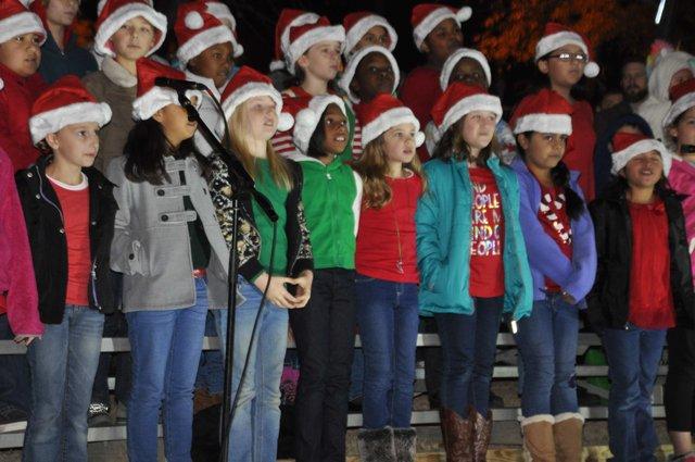 Hoover Christmas tree lighting 2016-15