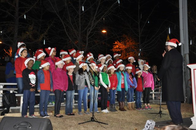 Hoover Christmas tree lighting 2016-19
