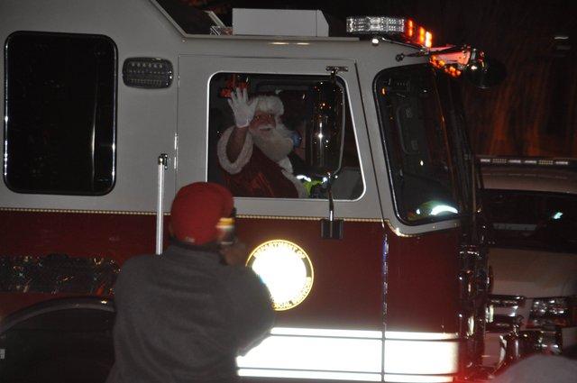 Hoover Christmas tree lighting 2016-23
