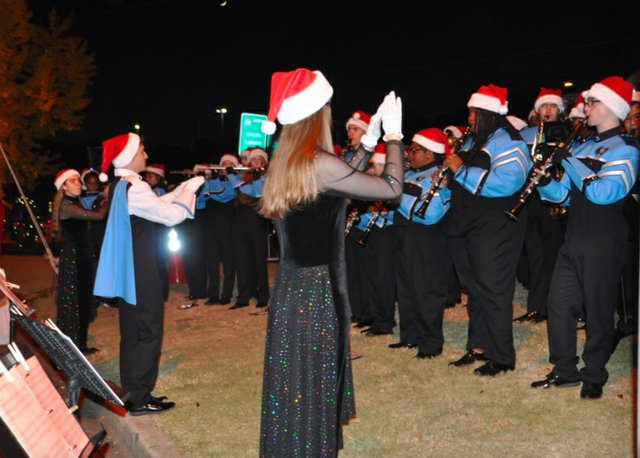 Hoover Christmas tree lighting 2016-25