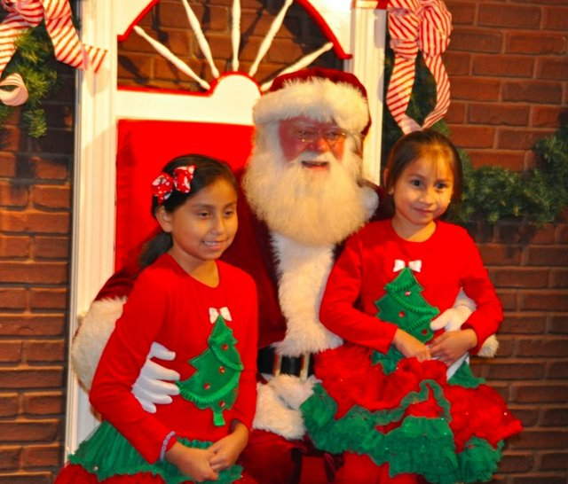 Hoover Christmas tree lighting 2016-37