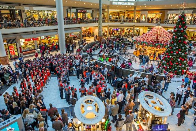 Bucs Galleria 12-11-16 (27)