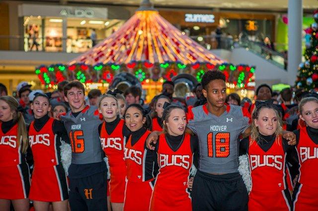 Bucs Galleria 12-11-16 (35)