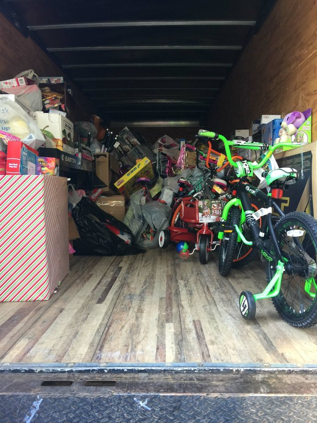 Fire Dept 2016 toy drive 1