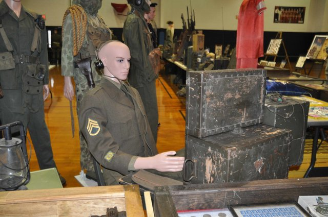Military collectibes at Simmons 1-17-17 (2)