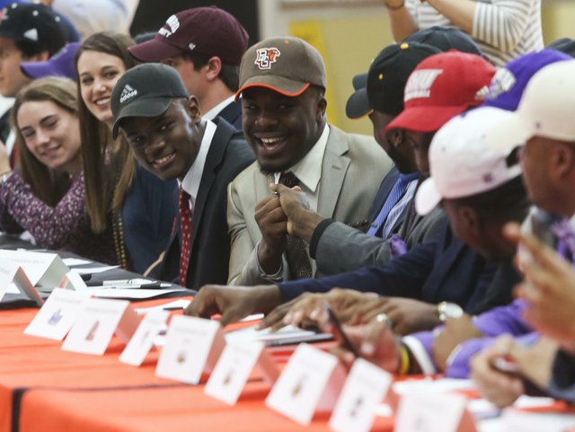 Hoover Signing Day 2017
