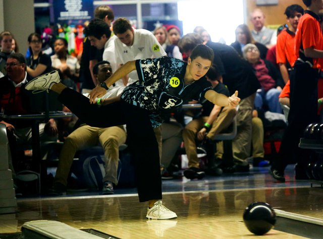 280-SPORTS-SpainPark-Bowling_SNF_RyanCaraway.jpg