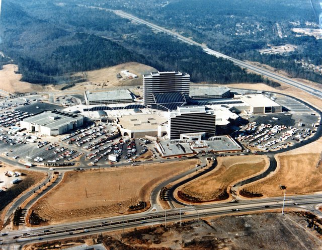 Riverchase Galleria Completed 1986 (1).jpg