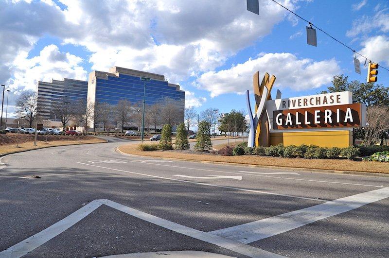Shooting at Alabama shopping mall