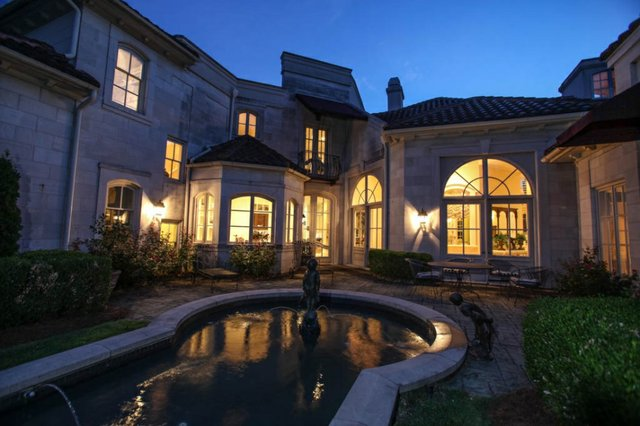 Southlake mansion 9
