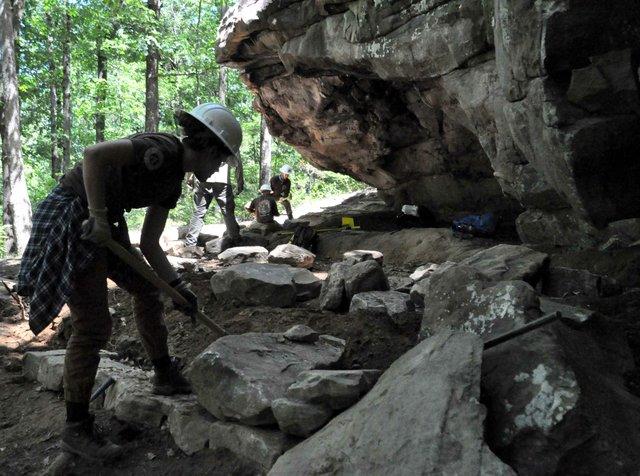 HV-COVER-Moss-Rocks-Boulders-Field-6.jpg