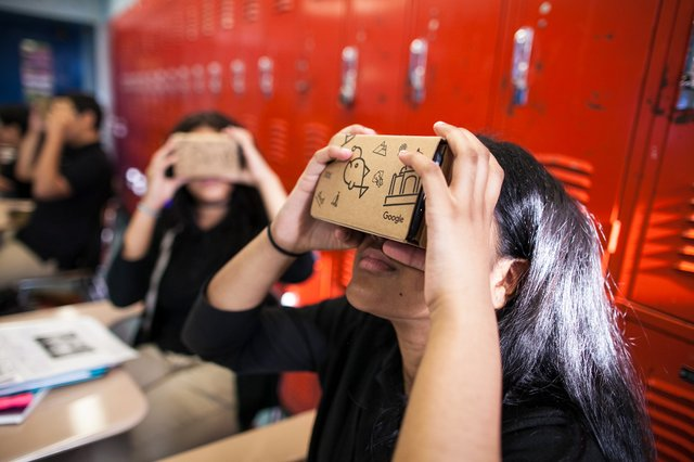 HSUN---SH---Foundation-grants---Google-Cardboard-Expeditions-1.jpg