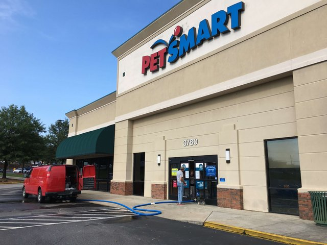 PetSmart flooding 7-26-17