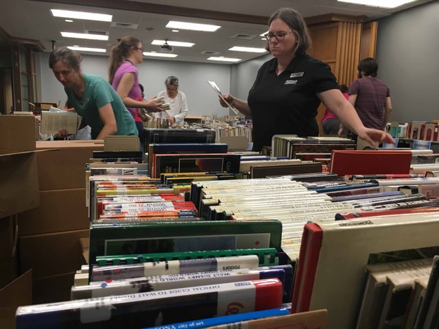 Hoover library 2017 fall book sale