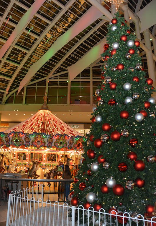 Riverchase Galleria tree lighting
