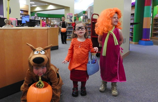 Hoover Library 2016 trick or treat