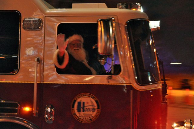 SUN-EVENTS-Santa-Fire-Truck-Run.jpg
