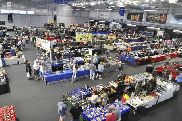 Collectors and Shooters Club gun show 4-28-18 (5)