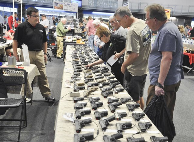 Collectors and Shooters Club gun show 4-28-18 (6)