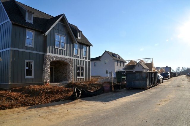 SUN-COVER-Signature-Homes_Lake-Wilborn-construction.jpg
