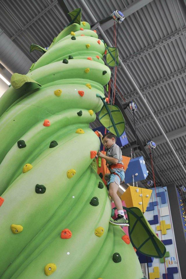 Hoover climbing center 10-31-18 (15)