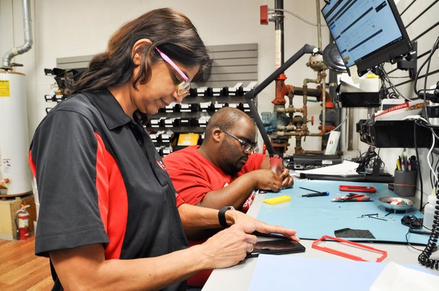 Hoover man prepares to expand CPR Cell Phone Repair business