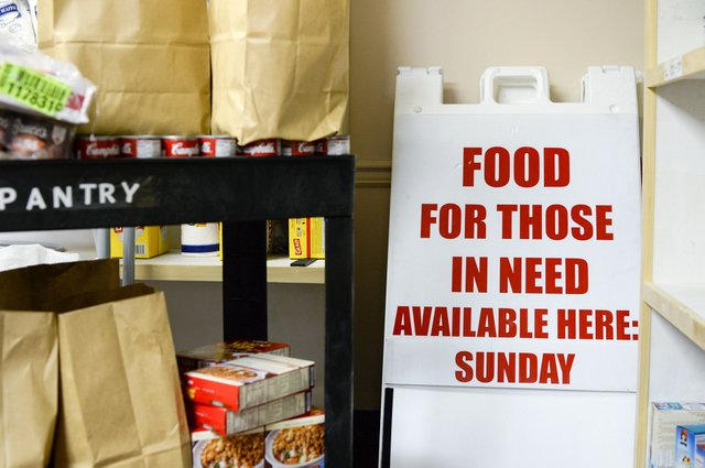 SUN-FEAT-church-food-pantry-UAB_4209.jpg