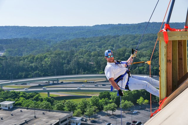 EVENTS---Over-the-Edge-Rappelling_Tanner-Foundation-6.jpg
