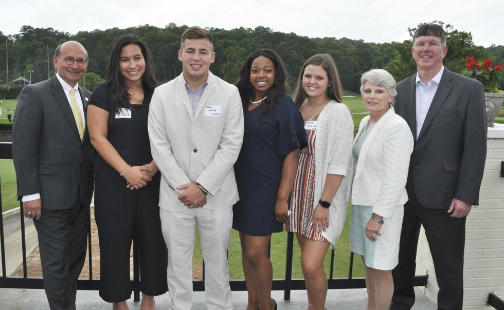Hoover Service Club 2019 scholarships awards 2