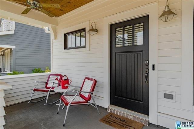 3459 Porch.jpg