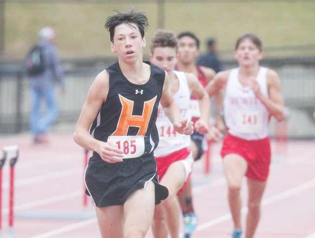 SUN-SPORTS-Hoover-cross-country-feature.jpg