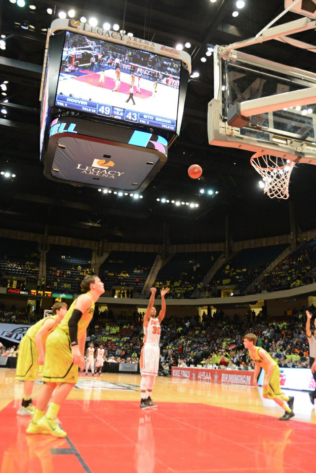 Hoover vs Mountain Brook State Final (17 of 24).jpg