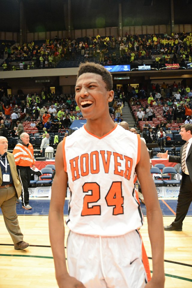 Hoover vs Mountain Brook State Final (19 of 24).jpg