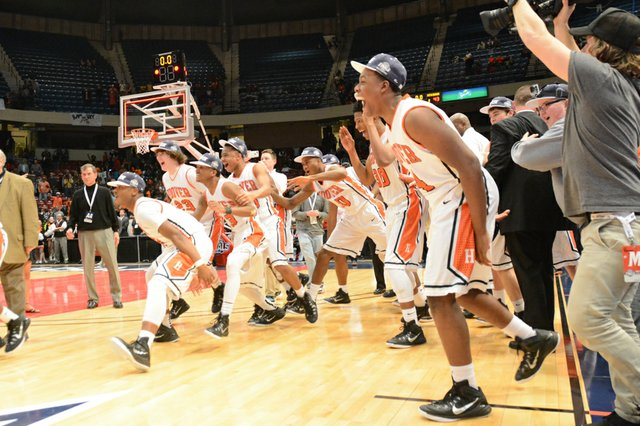 Hoover vs Mountain Brook State Final (21 of 24).jpg