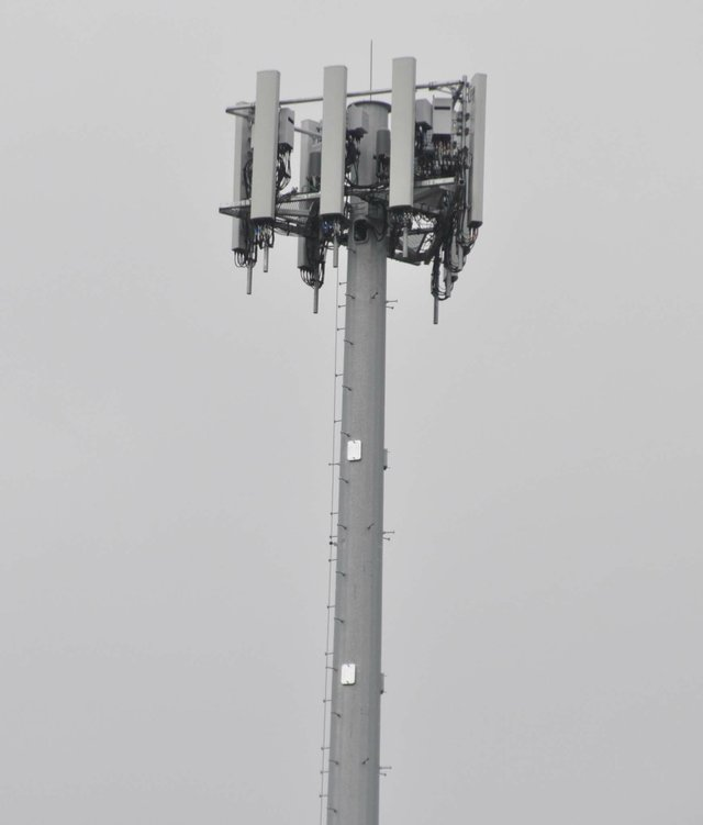191021_ATT_cell_tower_at_Met_JA