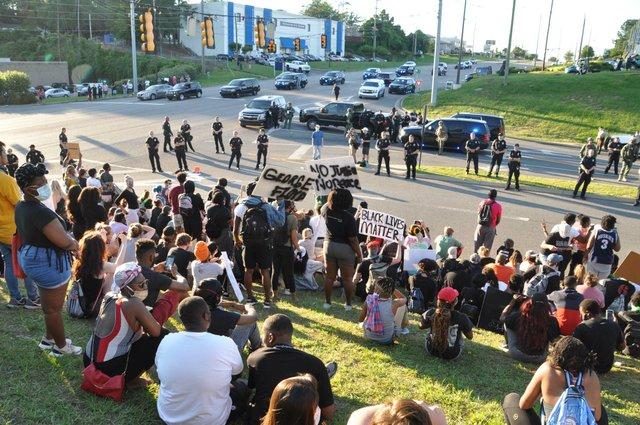 200531_Hoover_protest_JA06