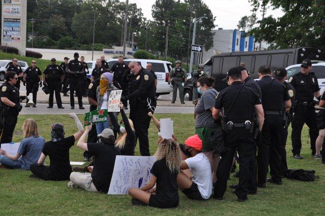 200602_Hoover_protest_arrests1