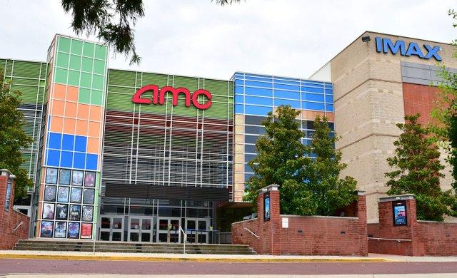 SUN-BIZ-AMC-theater-EN04.jpg