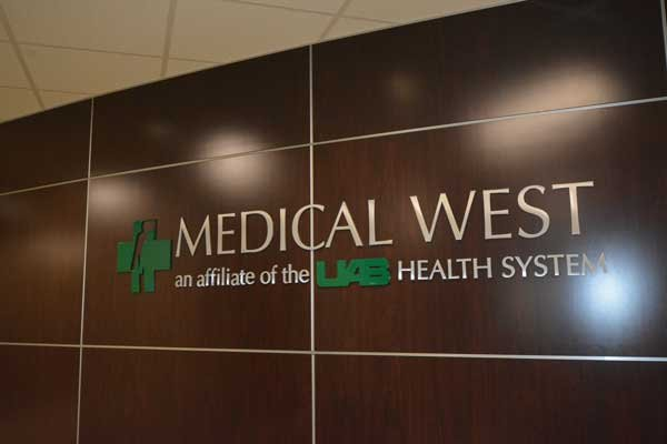 Medical West Holds Ribbon Cutting Ceremony For