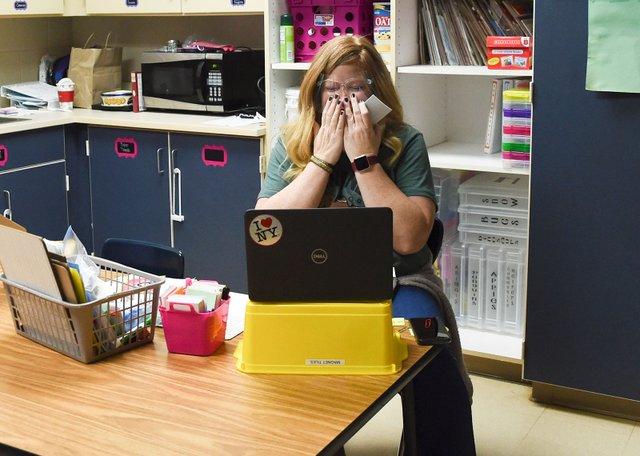 SUN-COVER-Teachers-of-Year-201217-Katie-Thompson-EN01.jpg