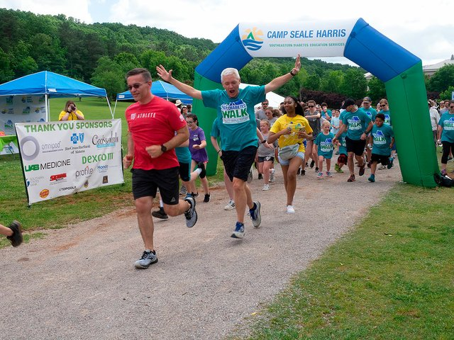 SUN-EVENT-Diabetes-Walk_2019-5.jpg