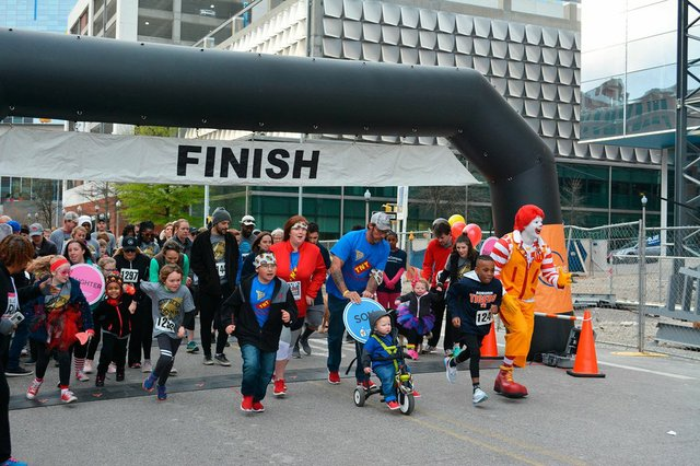 EVENTS---Red-shoe-run17.jpg