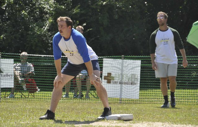 210926_Wiffle_on_the_Bluff15